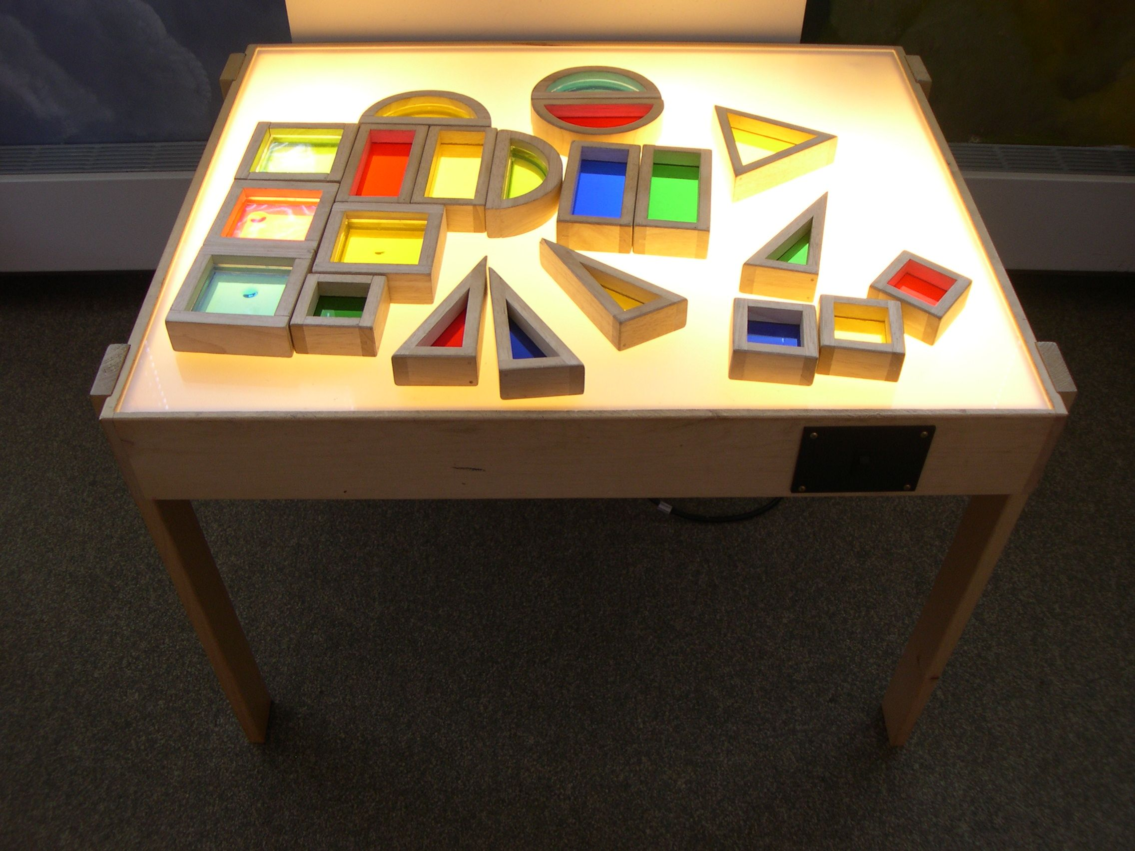 Light Table Love These Blocks Amazing Fun For The Light