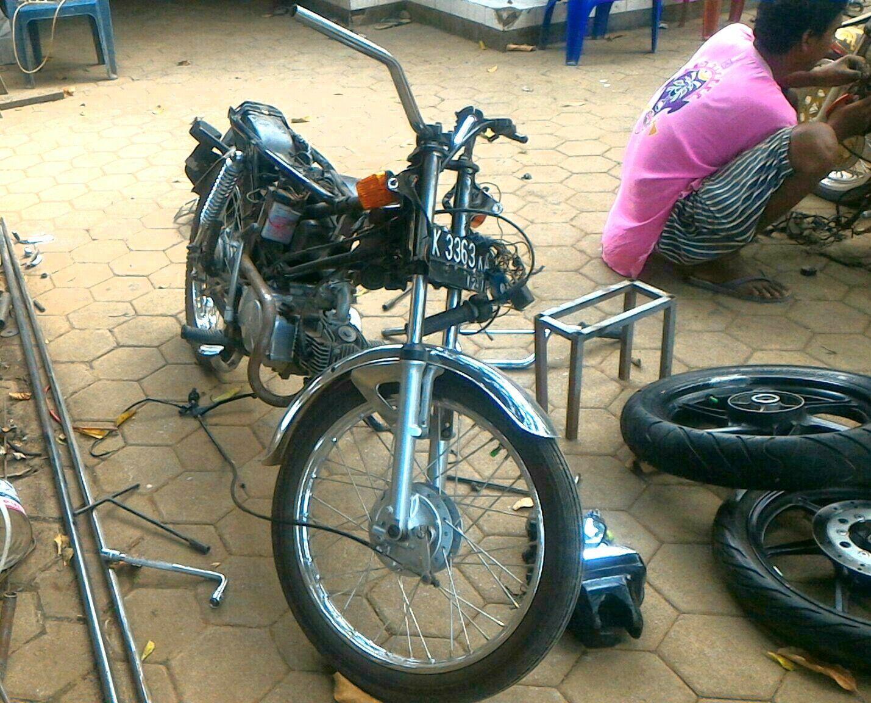 Proses Kastem Honda Win 100 Dimulai Small Engine Naked Bike Custom Project