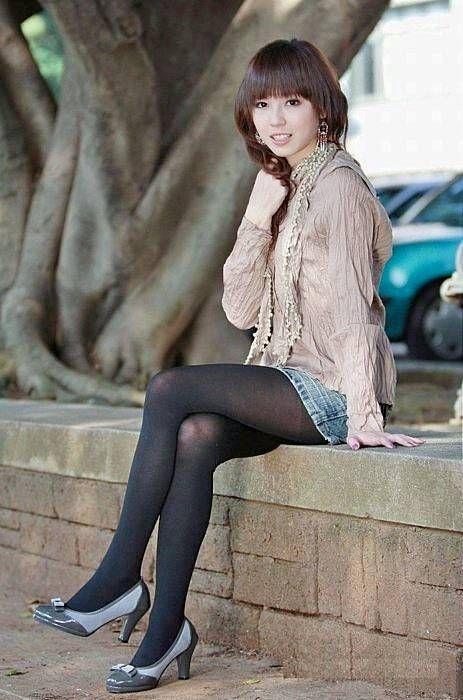non-nude-asian-pantyhose