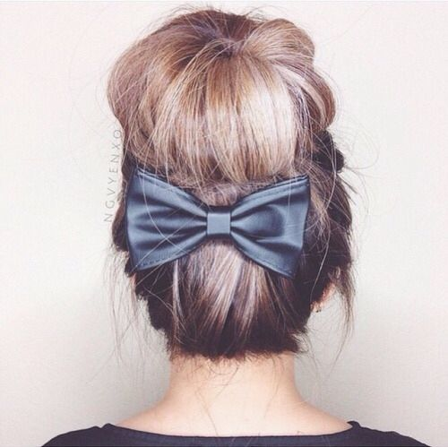 Peachy Tumblr Girls Buns And Hairstyles On Pinterest Short Hairstyles For Black Women Fulllsitofus