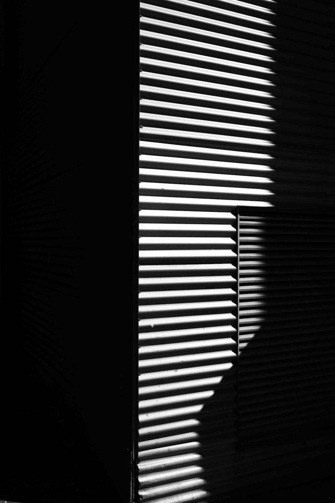 Light And Shadow Minimalissimo Fotografi Hitam Putih Fotografi Bayangan