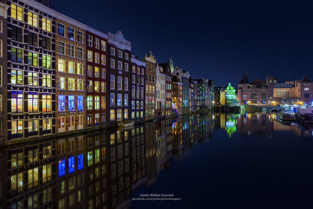 Damrak At Blue Hour Mapcarta Amsterdam Amsterdam Photos Nyc