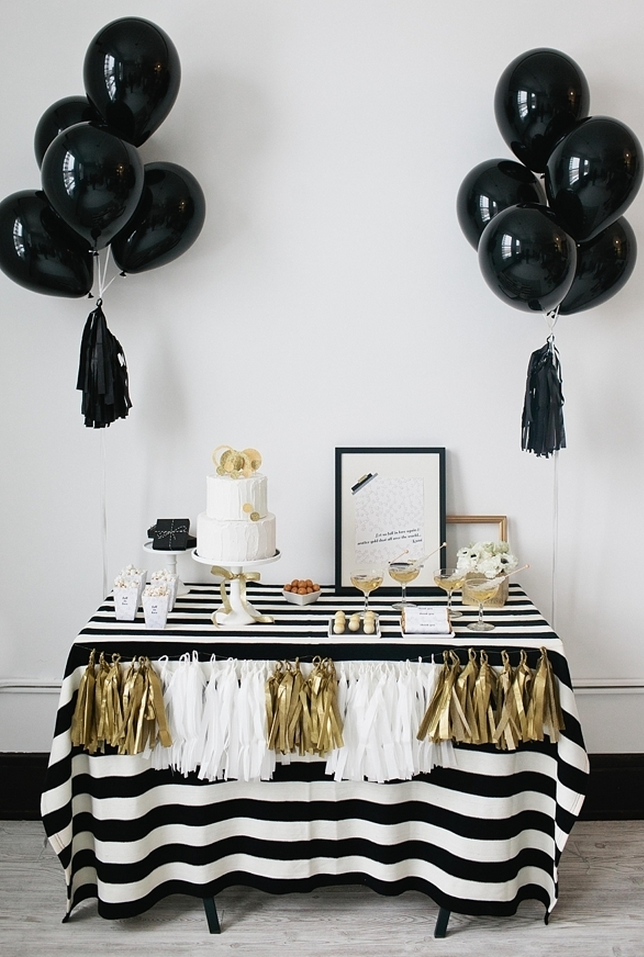 Party ideas in black, white and gold #birthday #party #occasions