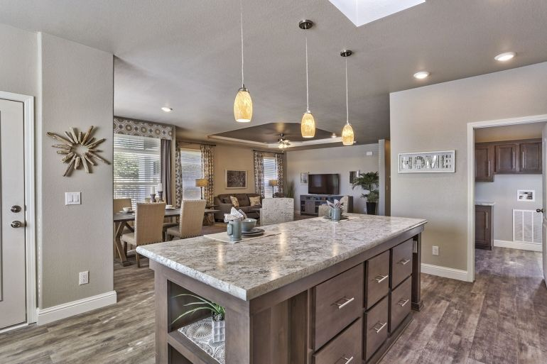 Champion (Arizona) 3 Bedroom Manufactured Home Skyland for $109511 | Model AF3262 from Homes Direct