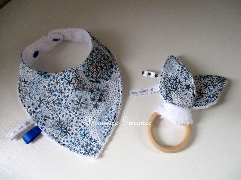 Mini baby box - bavoir bandana + hochet oreilles de lapin : Jeux, peluches, doudous par princesse-garance