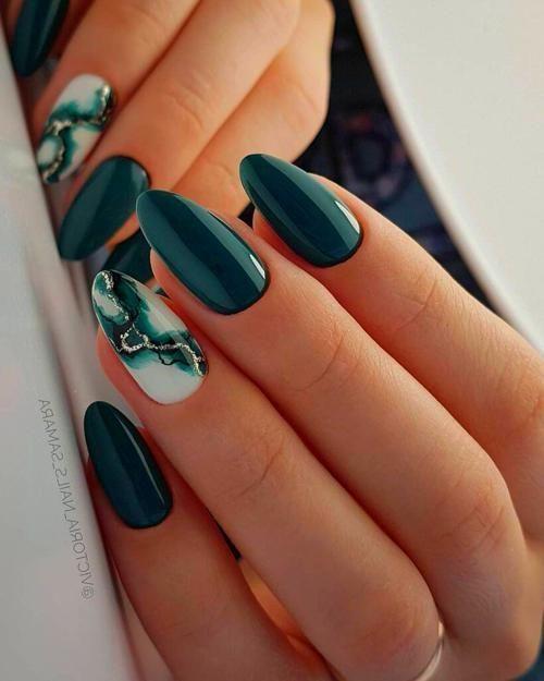 Winter Nail Art In 2020 Green Nail Designs Winter Nail Art