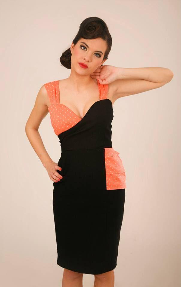 Vestido cruzado asimetrico realizado en dos colores Pequeños