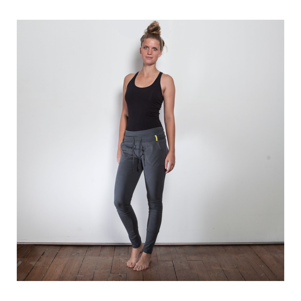 Yoga tights med bindebånd 500,  - Yogatøj - Yogamo - Anette Meldgaard