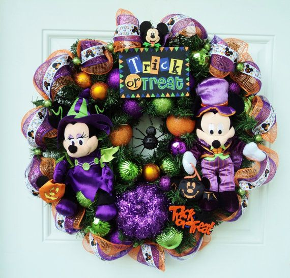 Disney Halloween Wreath Mickey and Minnie - I have enough Disney Beanies to do this :) - HL