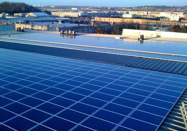 Solar Mitigates The Horror Of Ubiquitous Self Storage Earthtechling Solar Advantages Of Solar Energy Solar Power
