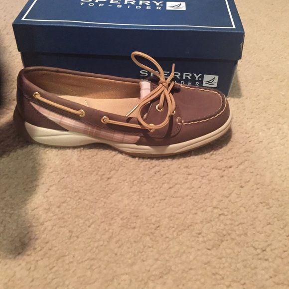 Sperry  brown and plaid Never worn Sperry Brown and cognac plaid Sperry Top-Sider Shoes Flats & Loafers