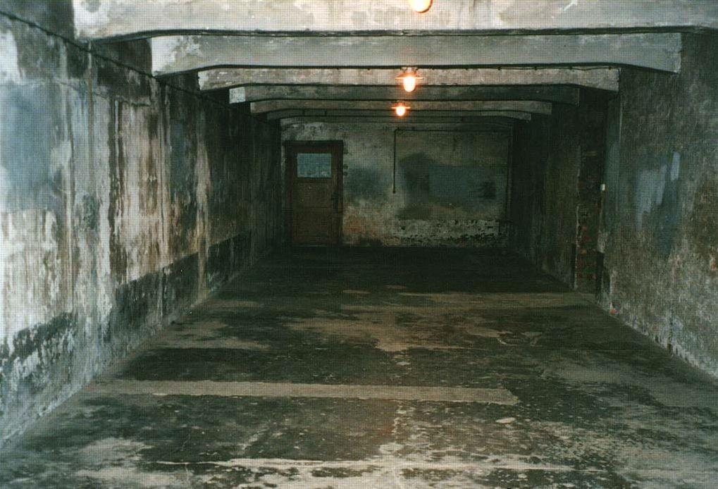 Auschwitz-Birkenau: Crematoria & Gas Chambers