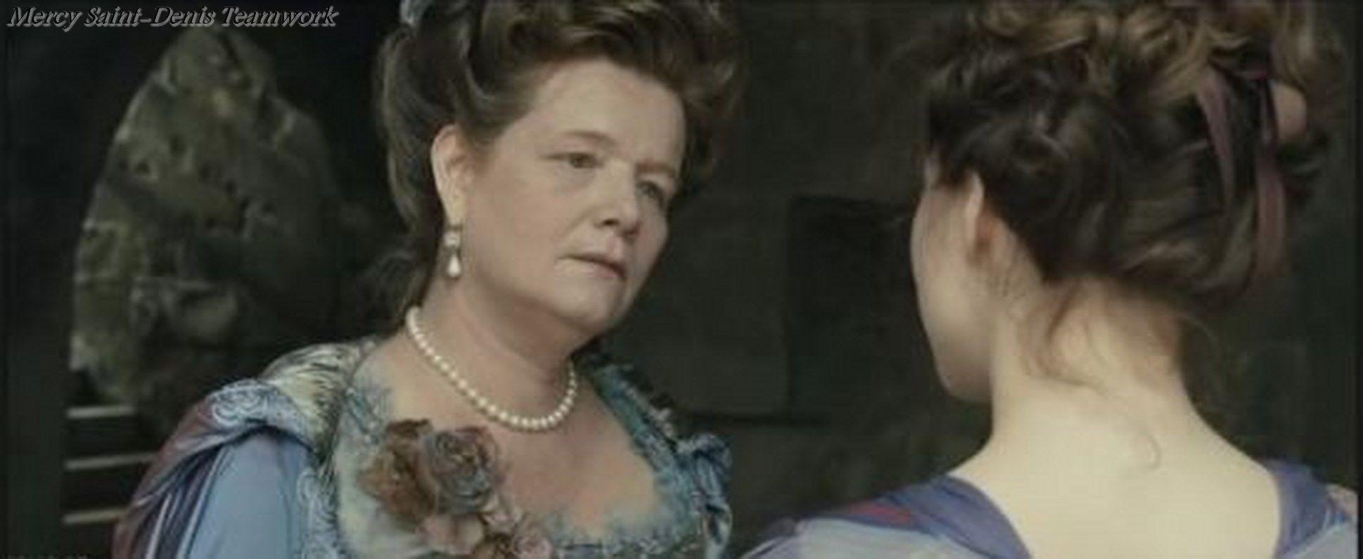 Anne Benoît as Rose Bertin, Les adieux à la reine 2012.