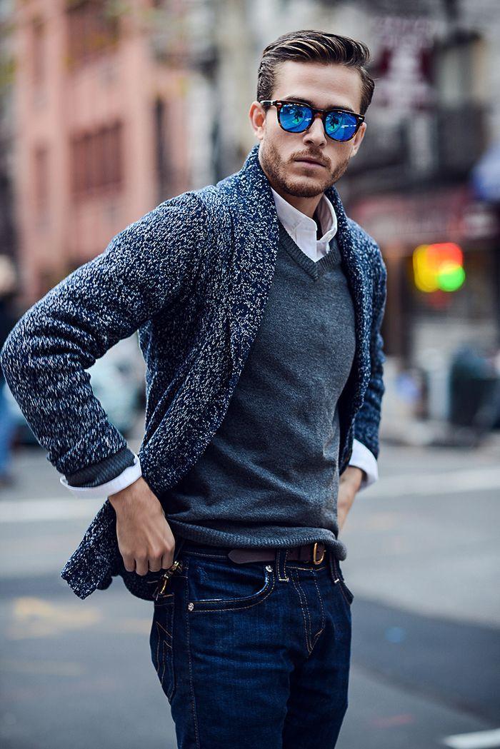 Idee Coiffure Description Une Coiffure Homme Elegante Avec Raie Trace Sur Le Cote Et Des Cheveu Style Decontracte Pour Hommes Chandail Pour Hommes Mode Homme