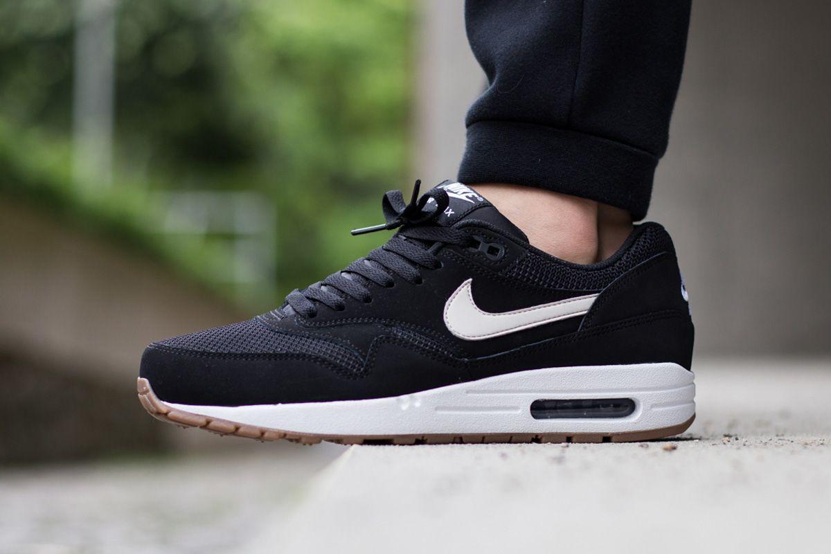 Womens Nike Air Max 1 Essential Black/White Shoe