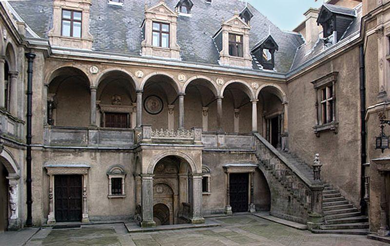 Plik Goluchow Castle 03 Jpg Wikipedia Wolna Encyklopedia Castles Interior Beautiful Castles Castle
