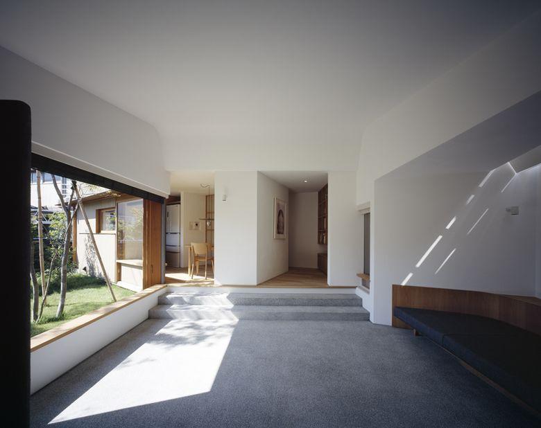 House in Akabane-iwabuchi t.teshima architect & associates