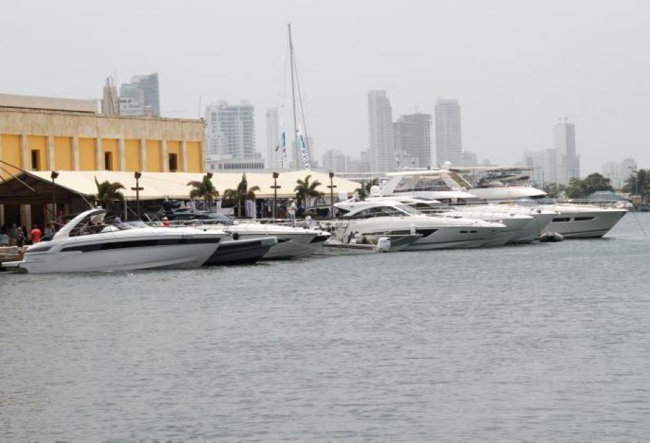 La bahía y Muelle de los Pegazos se engalanan con los botes. | Super ...