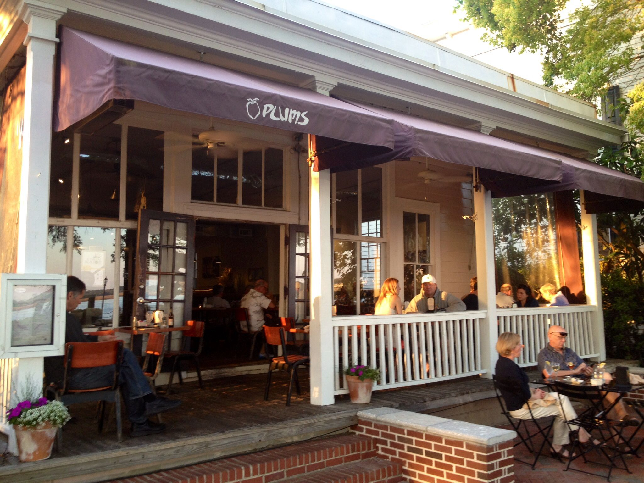 Plums Downtown Beaufort Sc On The Waterfront Indoor And Outdoor Seating Great Food Sunset Views Low Country Foods