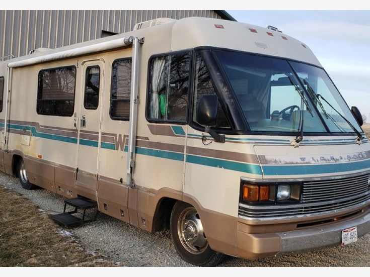 1989 Winnebago Chieftain For Sale Near Woodland Hills California 91364 Rvs On Autotrader In 2020 Winnebago Autotrader Rvs For Sale