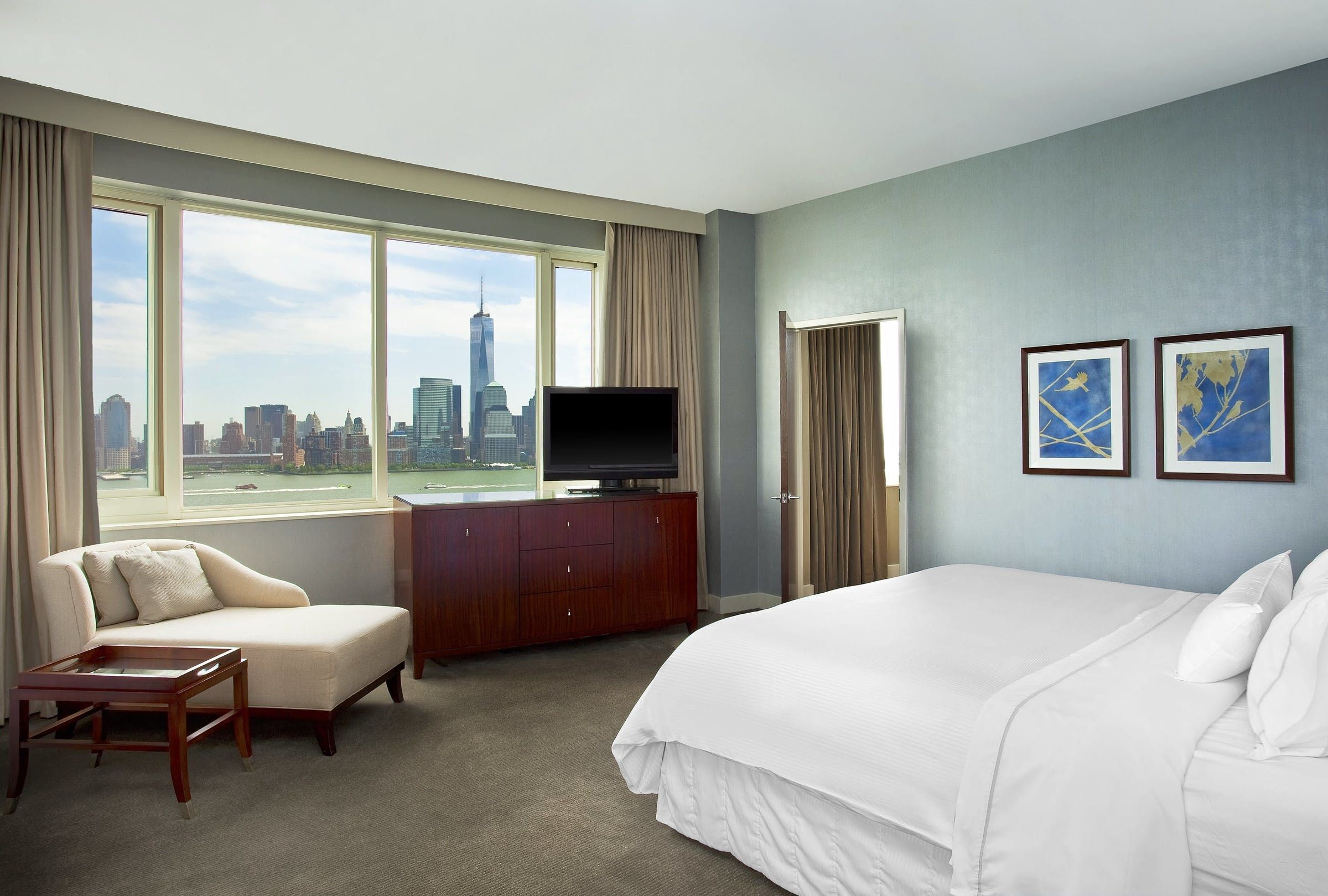 Guestroom Suites At The Westin Jersey City Newport Suites