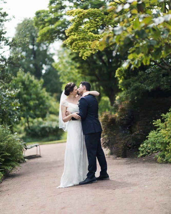 Trädgårdsföreningen #romance. Vilken ära att få följa er under er #bröllopsdag Elisabet och Johannes. Jag önskar er all #lycka. #wedding #weddingphotography #bröllopsfotografgöteborg #bröllop #trädgårdsföreningen #kärlek #love #bröllop2018 #bröllopsfotograf #bröllopsporträtt