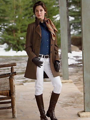 Beautifully put together outfit.