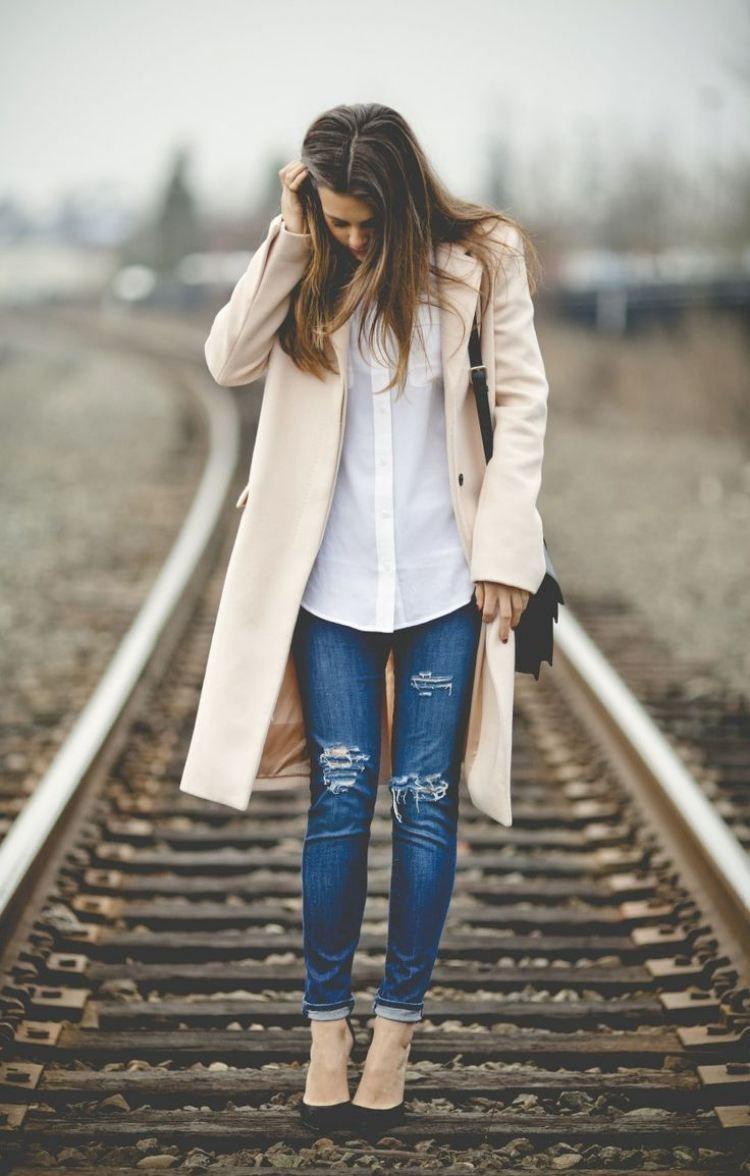 zerrissene jeans outfit pumps beige mantel hemd fashion in 2018 pinterest zerrissene jeans. Black Bedroom Furniture Sets. Home Design Ideas