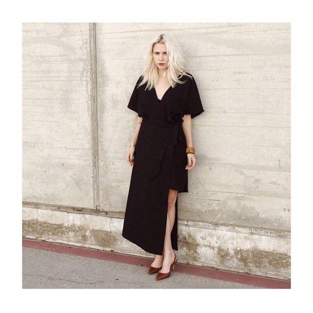 #分享Instagram# @alwaysjudging in @ganni NEW #black #dress #style #santamonica #vneck #ganni #look #design #fashion #shop www.ganni.com