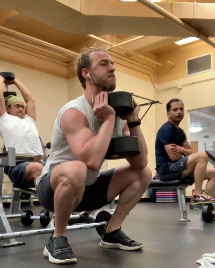 #quads #legday #fitness #fitnessmotivation #lowerabsworkoutvideossixpacks