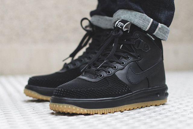 duck boots nike lunar