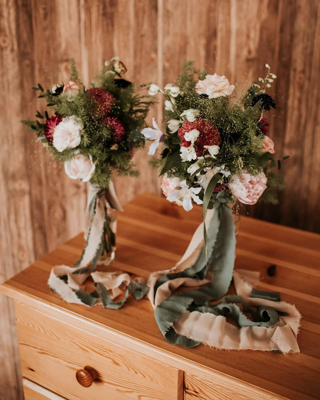Sierpniowe Polne Bukiety Slubne Fot Kamil Sadurski Foto Floral Wedding Floral Wreath