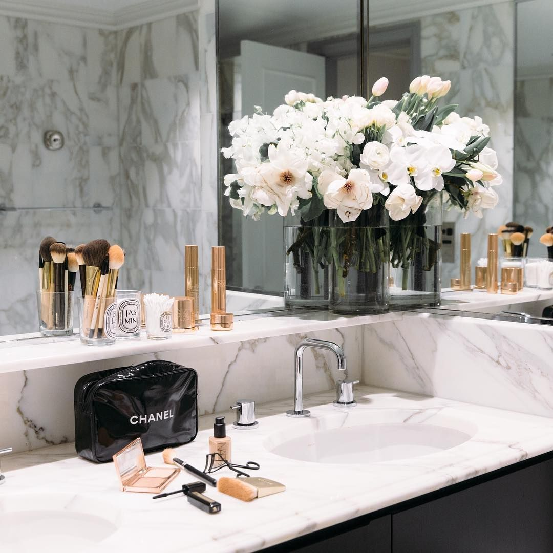 Queenzmaria bedroom pinterest makeup spring and bag