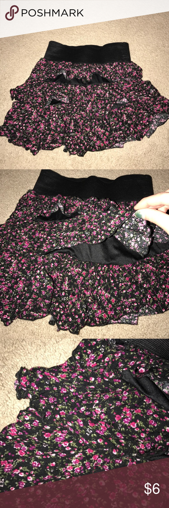 Ruffled floral patterned skirt Good condition Skirts Mini