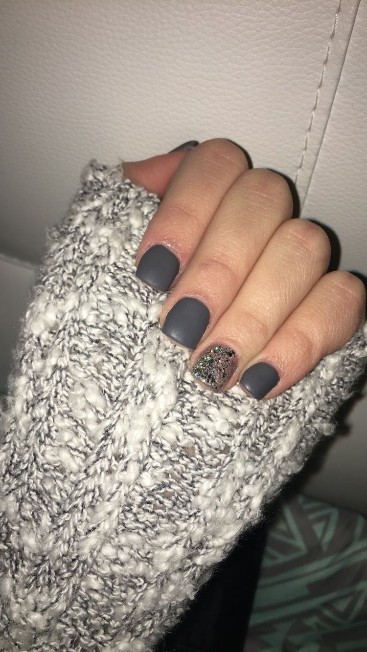 Dark Grey Matte Ring Finger Sparkle Acrylic Nails Short Sparkle Acrylic Nails Short Acrylic Nails Fake Nails