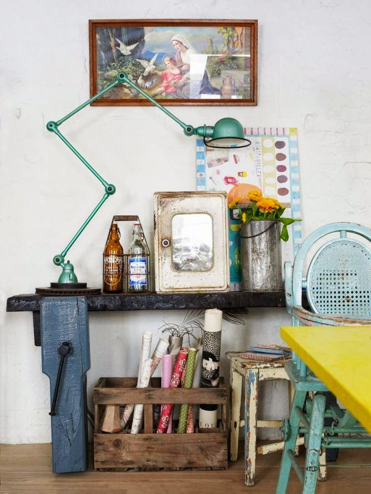 Yellow house on the beach: The color, vintage and modern