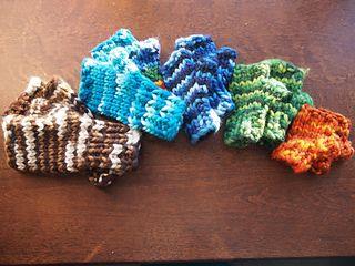 Chunky wool fingerless gloves in the round