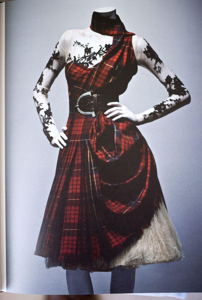 Ensemble Widows of Culloden, autumn/winter 2006–7, Dress of McQueen