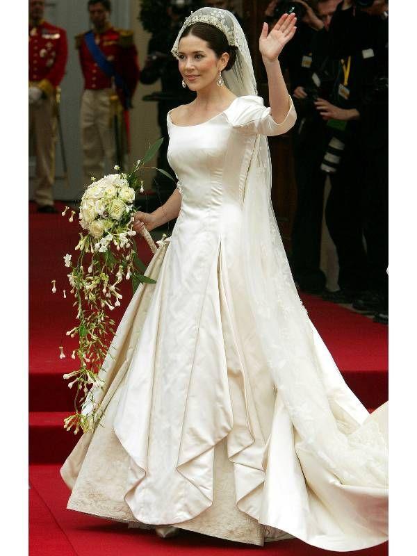 Mary Elizabeth Kronprinzessin Von Danemark Heiratete 14 Mai 2004 Frederik Den Kronprinz Von Danemark Fur Die H Royale Hochzeiten Konigliche Hochzeit Braut
