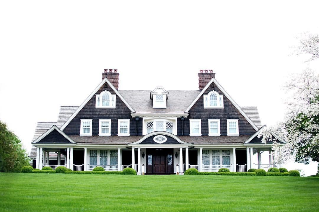 Pinch me i must be dreaming a perfectly symmetrical shingle style house she is