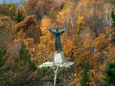Santuario di Belmonte a Valperga TO #giruland #diariodiviaggio #community #raccontare #scoprire #condividere #travel #blog #food #trip #social #network #panorama #fotografia #donna #uomo #belmonte #santuario #valperga #canavese #torino