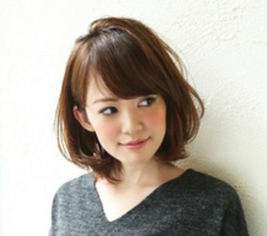 40代丸顔に似合う ミディアム&パーマなしスタイル【2019】