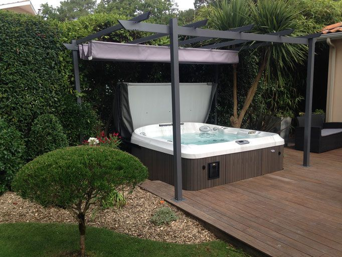 jacuzzi les jardins d 39 olivier paysagiste spa jacuzzi gamme j 400 semi encastr dans une. Black Bedroom Furniture Sets. Home Design Ideas