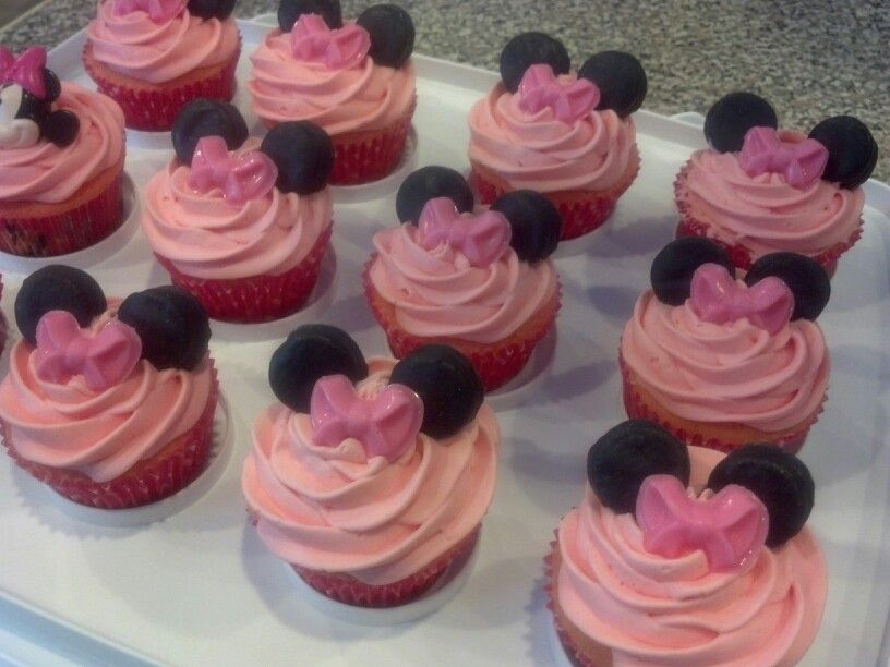 Minnie mouse cupcakes for Breanna's birthday party.
