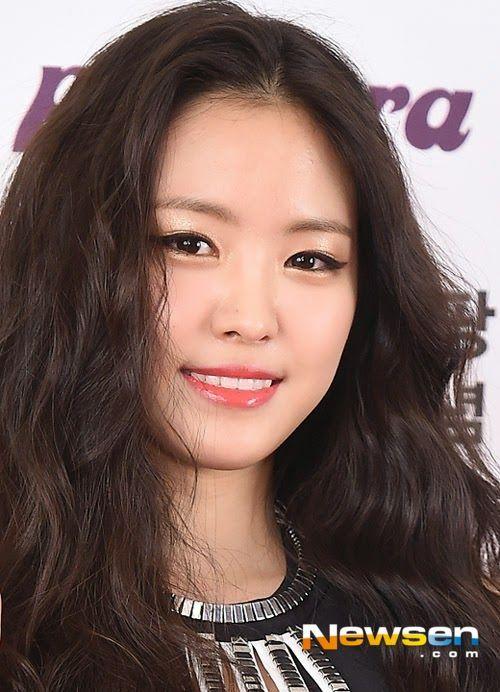 ... Apink Koreanbeauty Makeup Cosmetics. Naeun Son At A Peripera Fan Signing Event December 2017