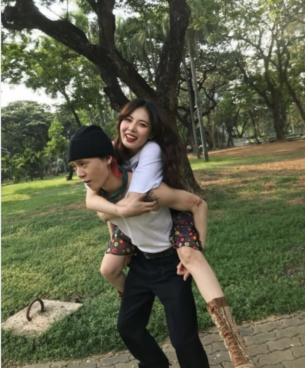 Hyuna And Dawn Warm Netizen Hearts With Latest Piggyback Couple Photos In 2020 Best Couple Couples Couple Photos