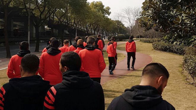 Western Sydney Wanderers take a walk in relatively clean air in Shanghai ahead of their Asian Champions League match tonight v Shanghai SIPG. In Korea, Brisbane Roar meet Ulsan Hyundai while Adelaide United faces up to Jiangsu Sainty in Nanjing tomorrow. 28.02.17