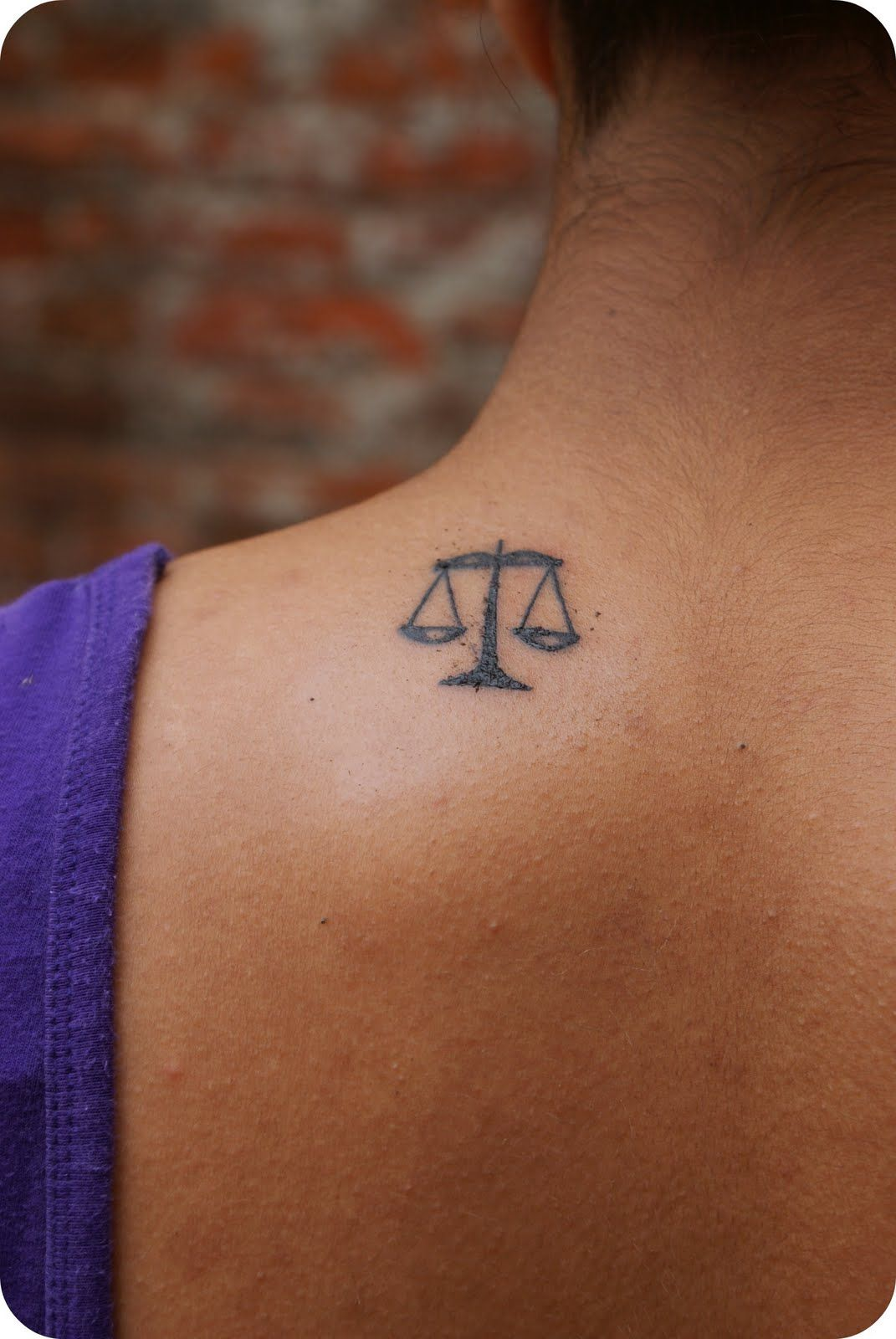 97cf8b3be SMALL LIBRA SCALE | cant decide | tattoos | Libra tattoo, Scale ...