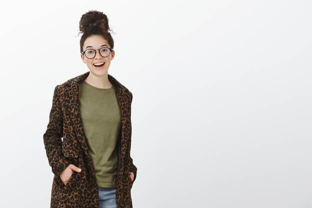 Download 20 Best Free Coat Mockup Psd Templates In 2020 Clothing Mockup Trench Coats Women Stylish Coat