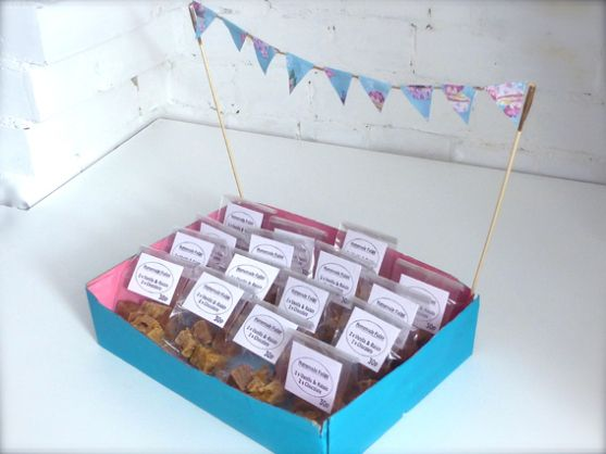 Presentation Box With Bunting for selling homemade fudge or sweets ...